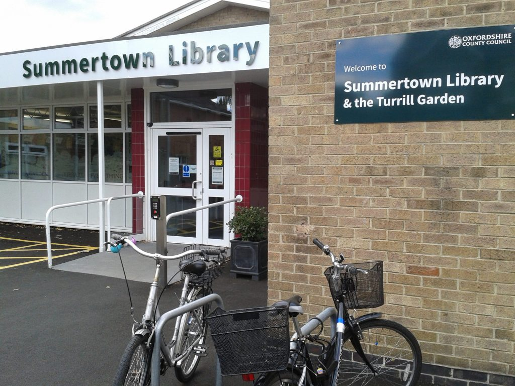 The Summertown library in Oxford with the Sculpture Garden situated behind it (photo: 2018-09-13 15.45.12)
