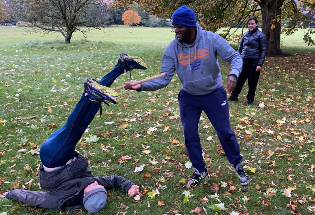 Becoming Gentleness : composition session at Oxford Contact Dance in University Parks, Oxford (UK) on 14 October 2020. Photo: Fiona Bennett.
